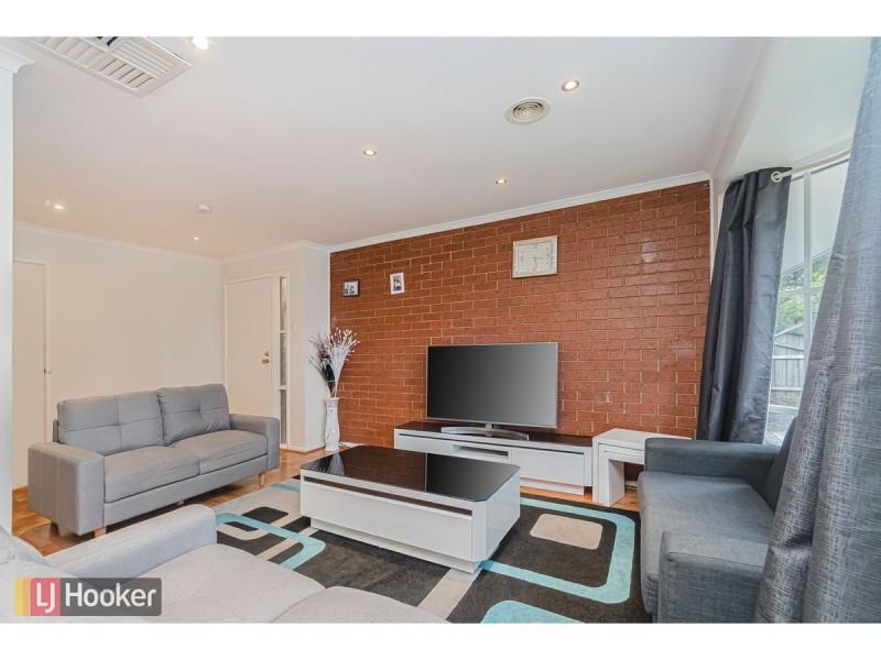 11 Banbury Crescent, Craigieburn VIC 3064