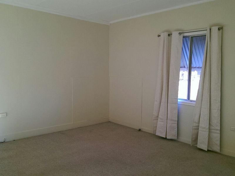 16 Cook Street, Yuleba QLD 4427