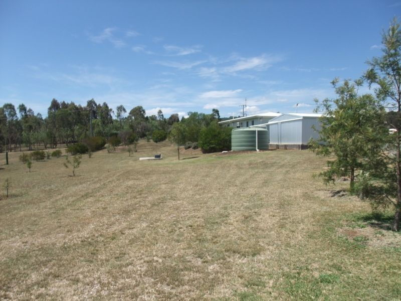 4 Elizabeth Place, Proston QLD 4613