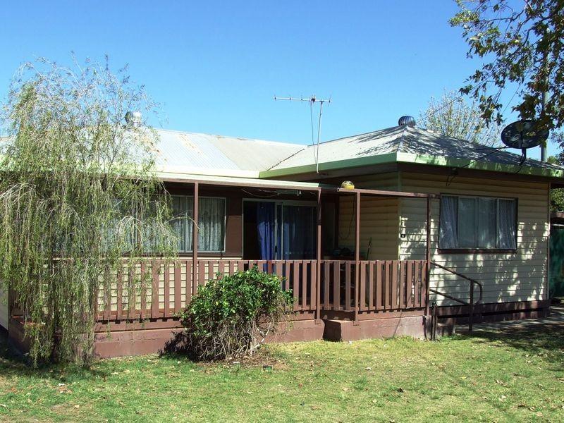 6 EDWARD STREET, Charleville QLD 4470