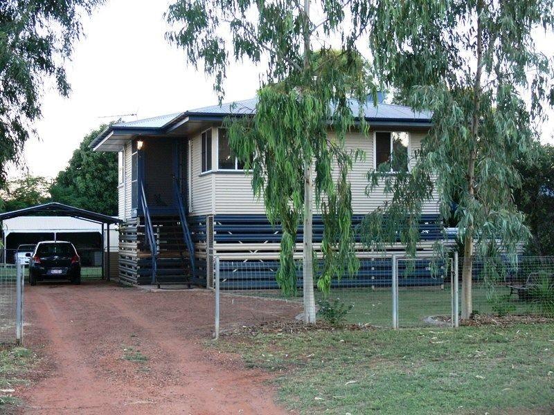 118 GALATEA STREET, Charleville QLD 4470