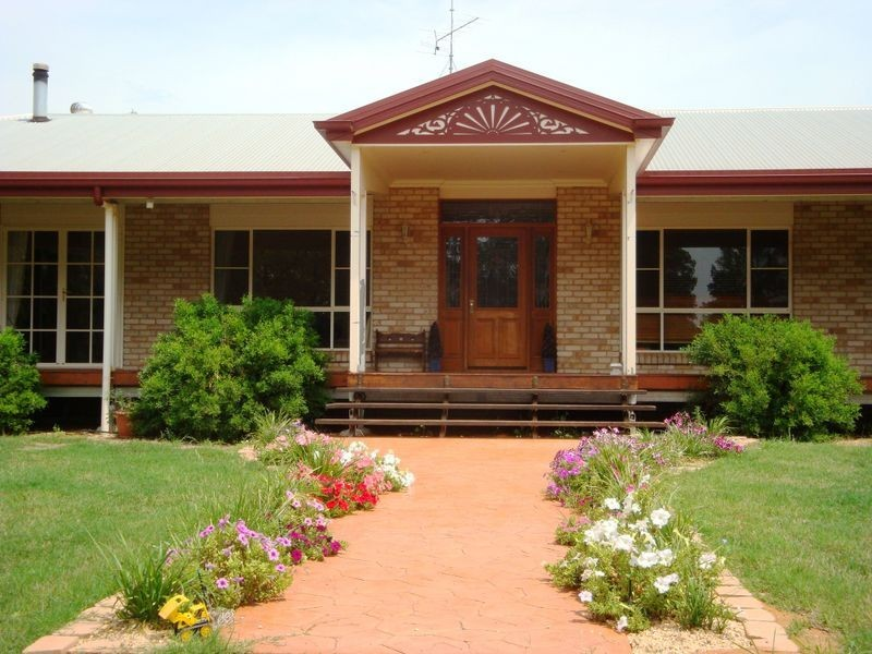 57 BANJARRA DRIVE, Charleville QLD 4470