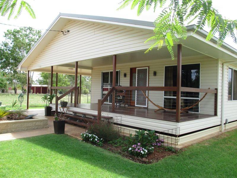 5 ELIZABETH STREET, Charleville QLD 4470