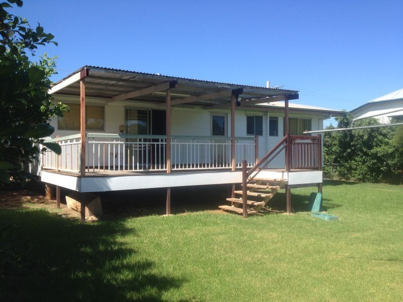209 PARRY STREET, Charleville QLD 4470