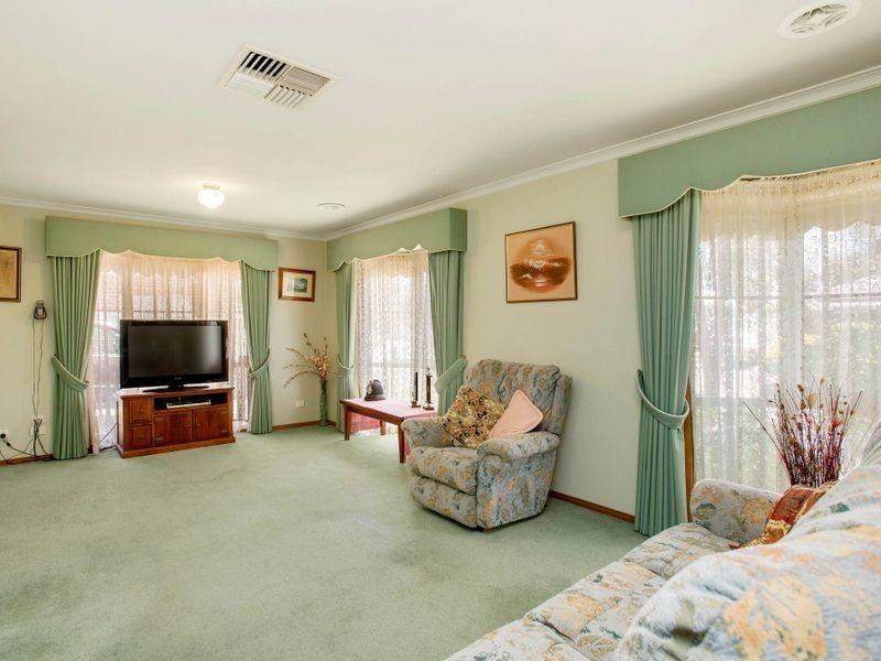 26 William Leake Avenue, Altona Meadows VIC 3028