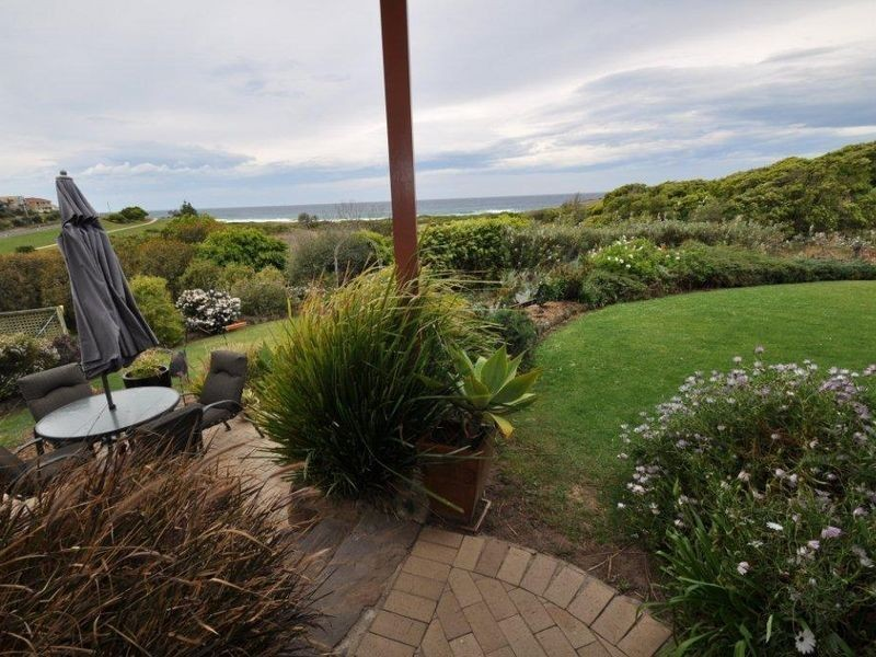 8 Warbler Crescent, Akolele NSW 2546