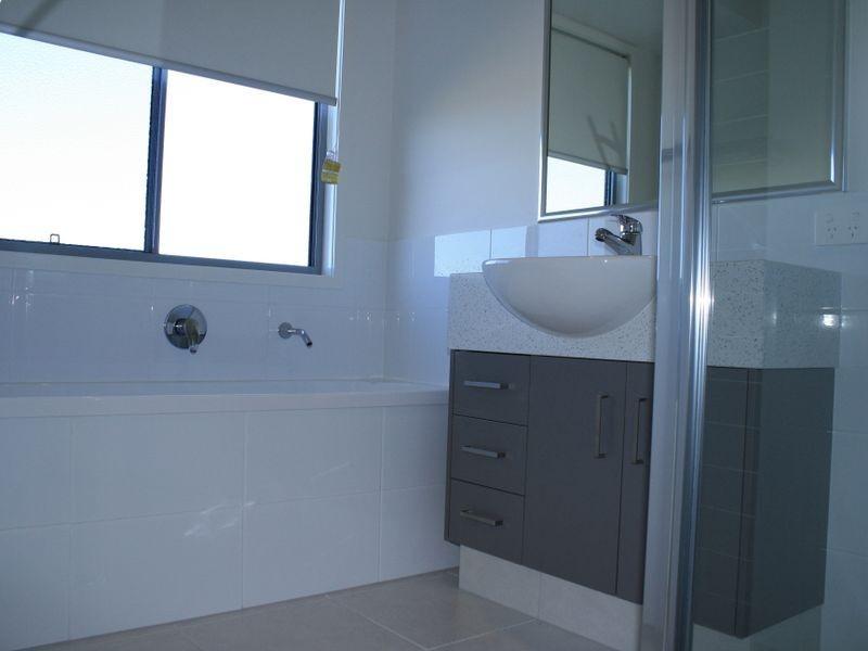 2 MacNab Street, Alberton QLD 4207