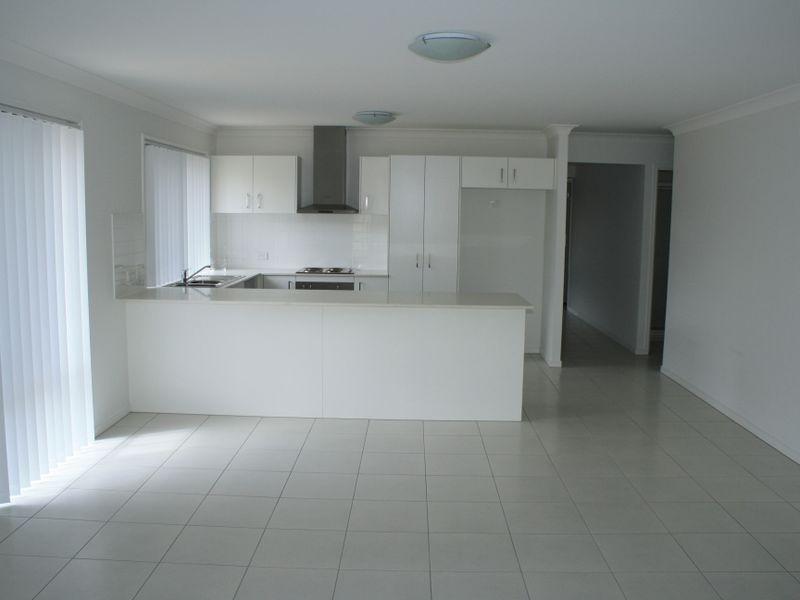 12 Schroeder Street, Alberton QLD 4207