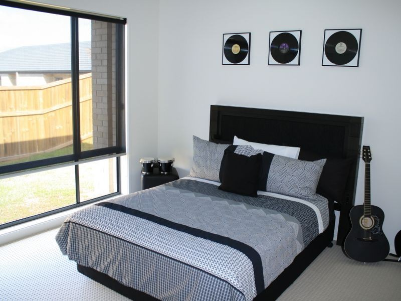 6 Grasslands Street, Yarrabilba QLD 4207