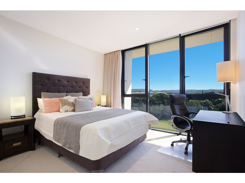 505W/1 Marina Drive, Benowa QLD 4217