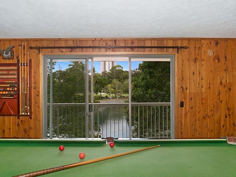 72 Savoy Drive, Broadbeach Waters QLD 4218