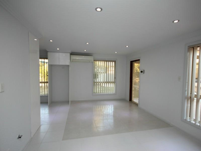 1a Bronsdon Street, Smithfield NSW 2164