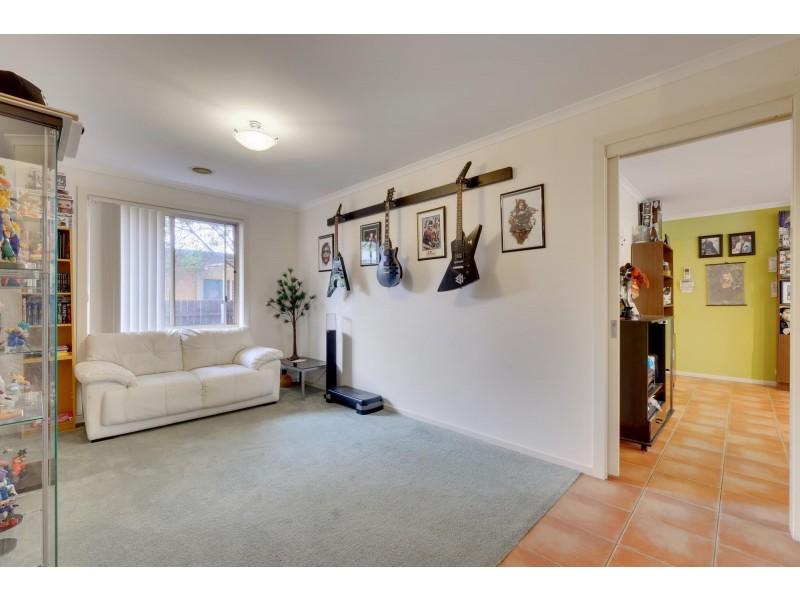 22 Fairlight Street, Dunlop ACT 2615