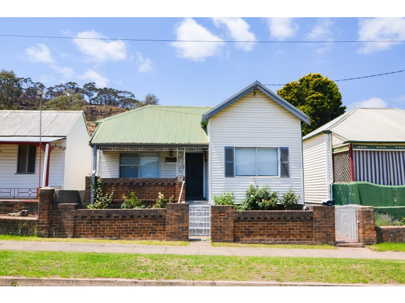 91 Chifley Road, Lithgow NSW 2790