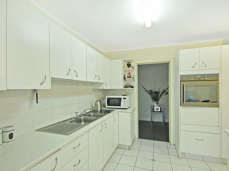 18 Hughes Lane, Marrangaroo NSW 2790