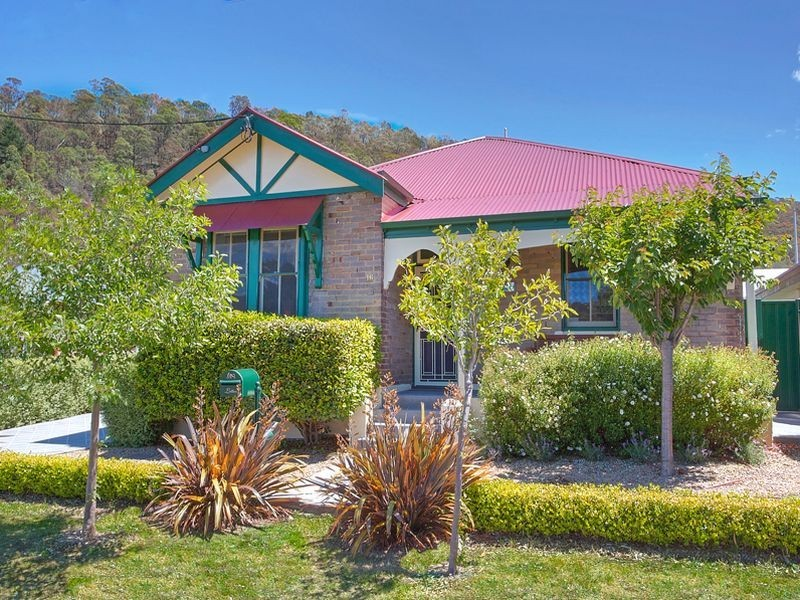 16 Guy Street, Lithgow NSW 2790