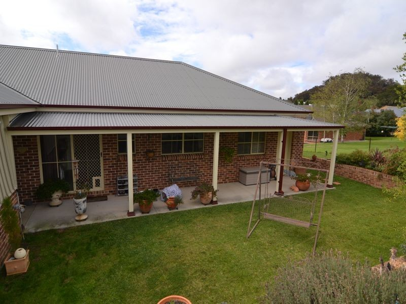 12 Windarra Place, Marrangaroo NSW 2790