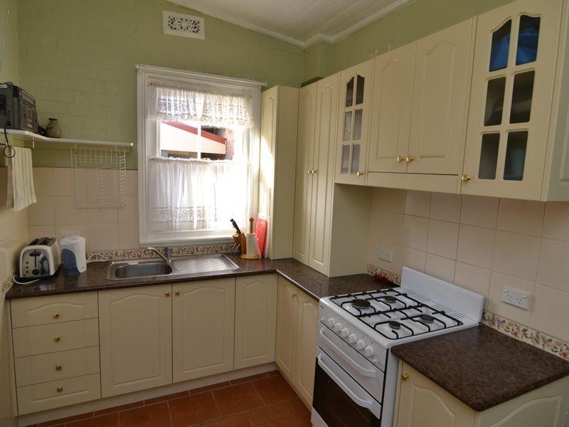 27 Hayley Street, Lithgow NSW 2790