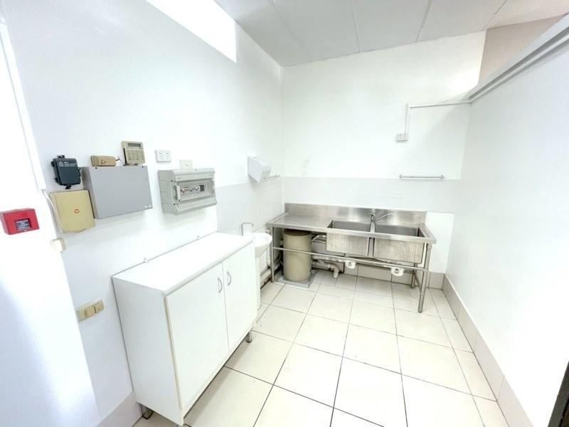 27 Upton Street, Bundall QLD 4217