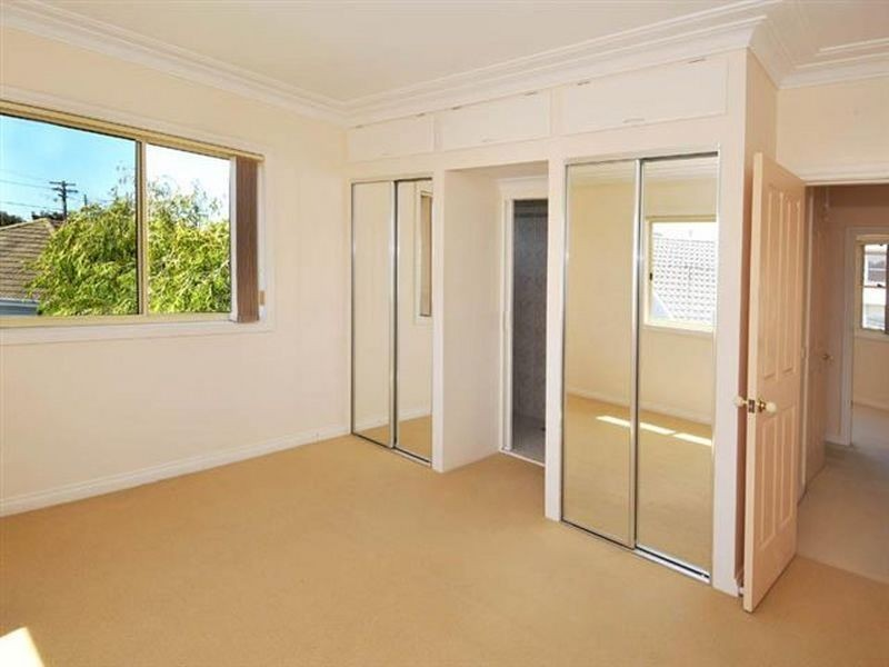 14 Nyan Street, Chifley NSW 2036