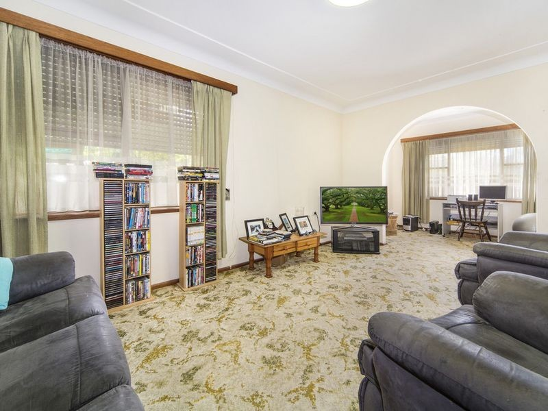 84 Macquarie Street, Chifley NSW 2036