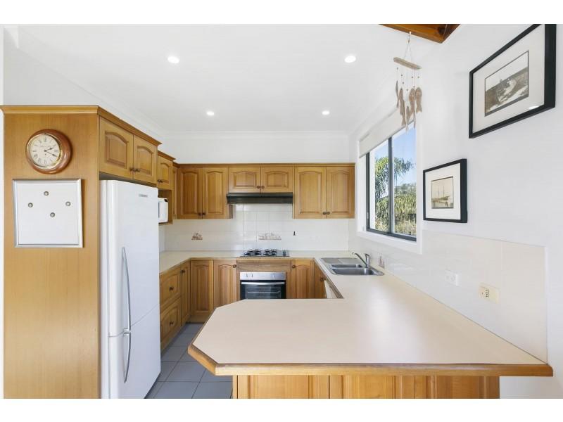 72-72A Lasseter Avenue, Chifley NSW 2036