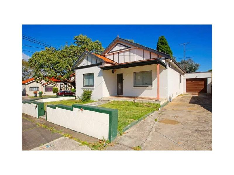 17 Ayr St, Ashbury NSW 2193