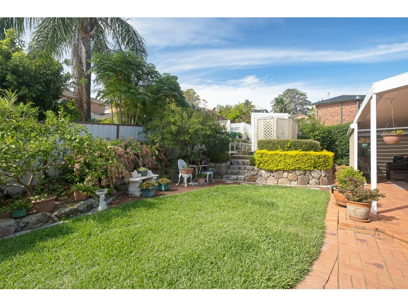 10 Spinnaker Ridge Way, Belmont NSW 2280