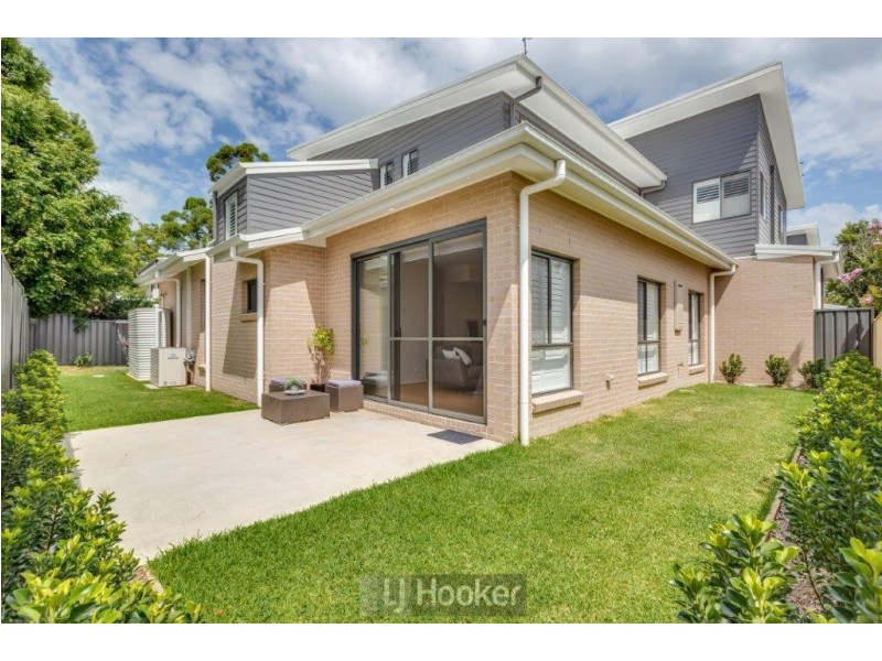 4/10 Queen Street, Warners Bay NSW 2282