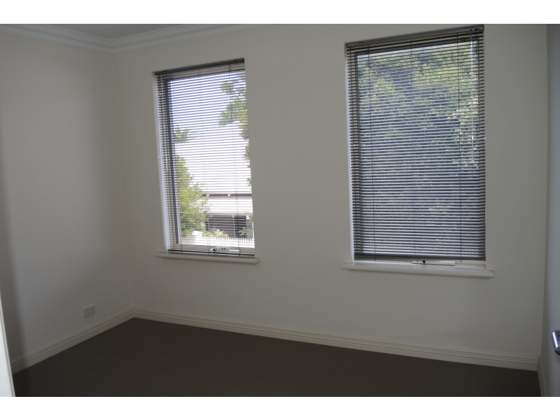 39 Inglewood Lane, Inglewood WA 6052