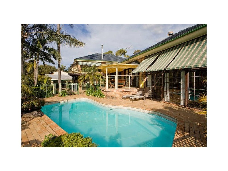 13 Hibiscus Close, Alfords Point NSW 2234