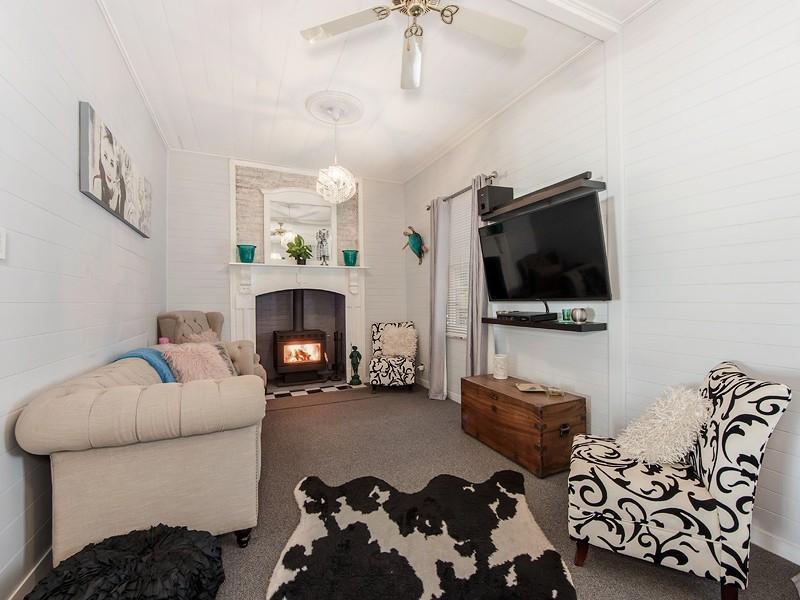 41 Warwick Road, Ipswich QLD 4305