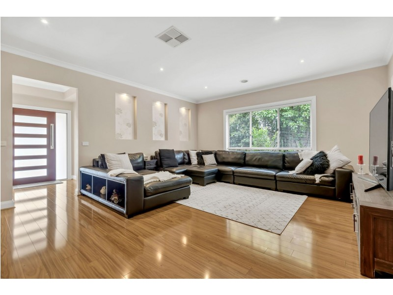 37 Viewgrand Boulevard, Epping VIC 3076