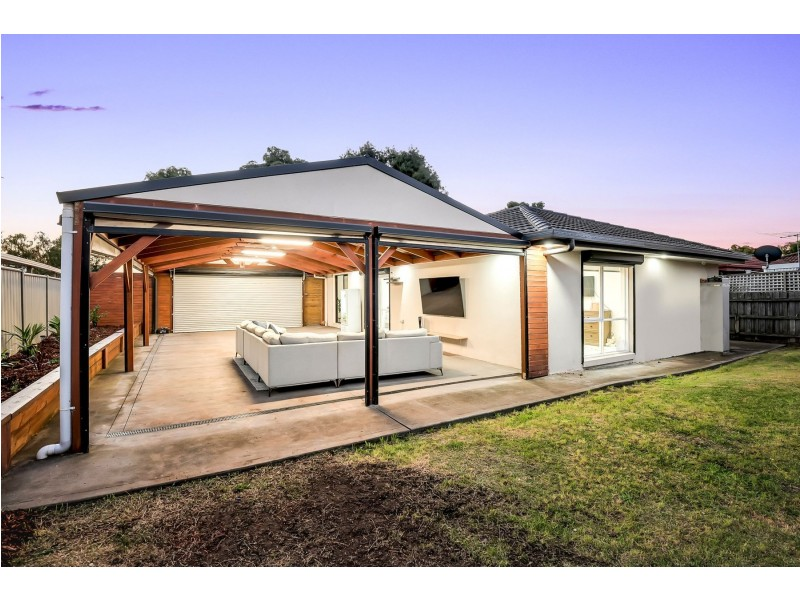70 Prince of Wales Avenue, Mill Park VIC 3082