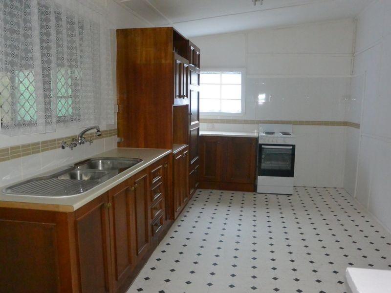 303 Argyle Street, Picton NSW 2571