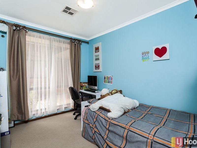4 Steel Place, Queanbeyan NSW 2620