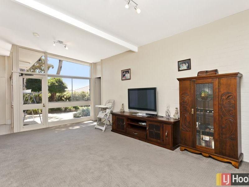 10 Parr Place, Queanbeyan NSW 2620