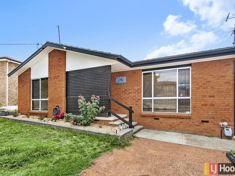 64 Sassafras Crescent, Queanbeyan NSW 2620