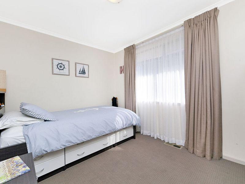 77 Munro Road, Queanbeyan NSW 2620