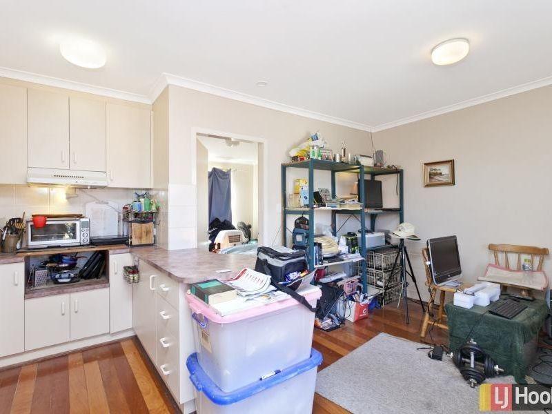 24/9 Macquoid Street, Queanbeyan NSW 2620