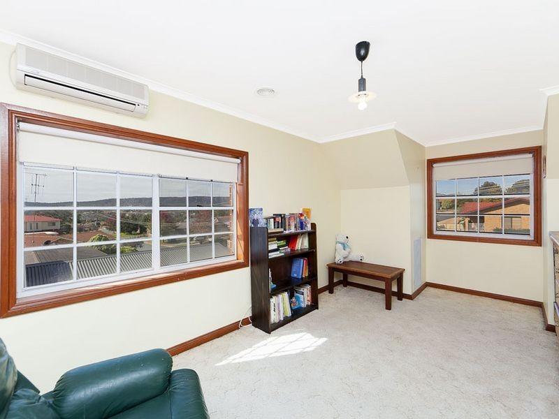 32 Candlebark Road, Queanbeyan NSW 2620