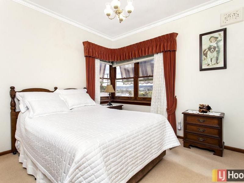 33 The Crescent, Queanbeyan NSW 2620
