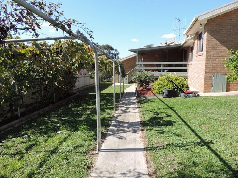 43 Kinsella Street, Queanbeyan NSW 2620