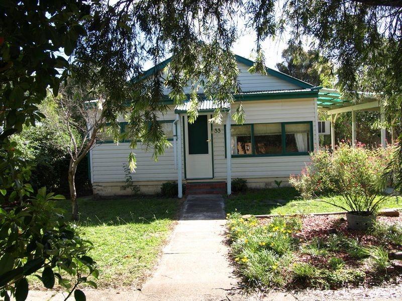 33 Henderson Road, Booroomba NSW 2620