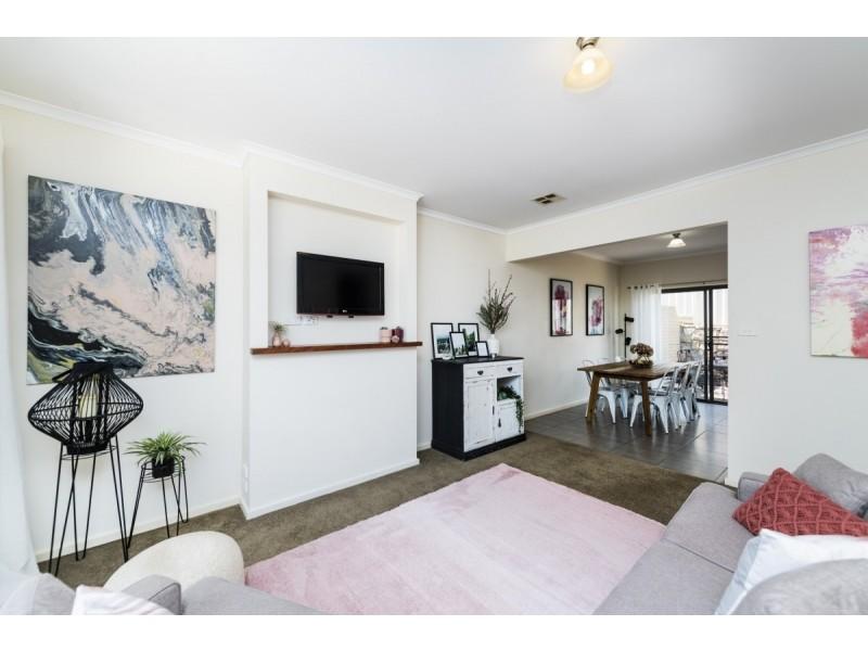 2/102 Gilmore Road, Queanbeyan NSW 2620