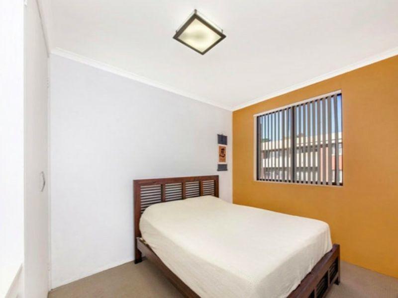 18/10 King Street, Queanbeyan NSW 2620
