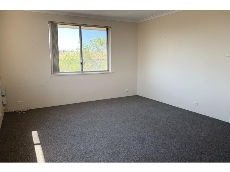 3/15 Crest Road, Queanbeyan NSW 2620