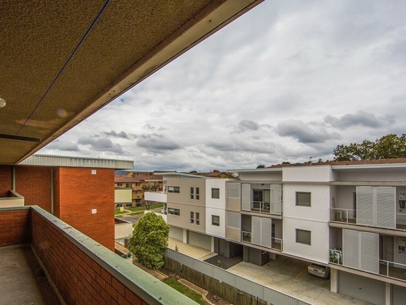 12/11 Crest Road, Queanbeyan NSW 2620