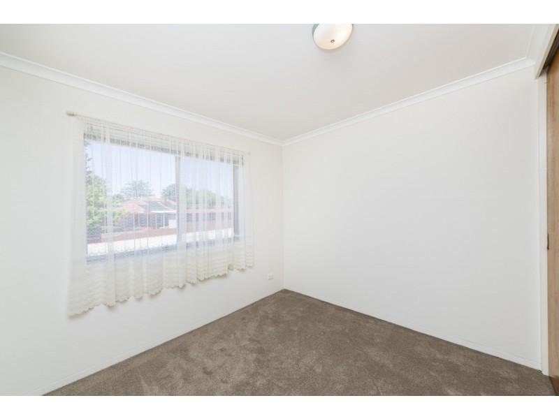 8/20 Charles Street, Queanbeyan NSW 2620