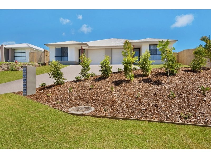 2/2 Hinkler Court, Rural View QLD 4740